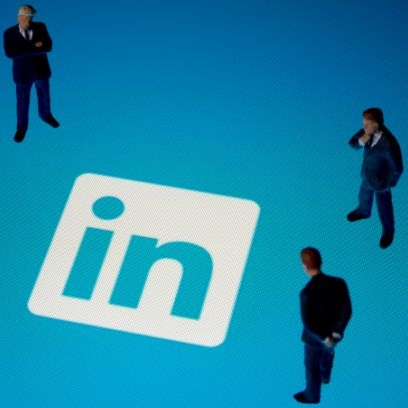 7 Tips to Improve Your LinkedIn profile