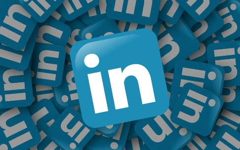 8 Tips for a Perfect LinkedIn Profile